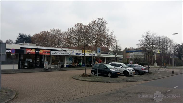 Barendrecht , Gouwe 11 en Binnenlandse Baan 102